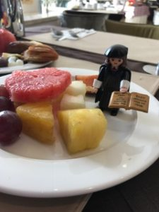 Breakfast and Little Luther02